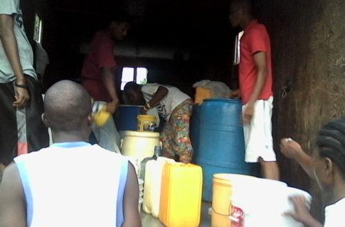 Article : Monsieur, combien coûte ce récipient d'eau s'il vous plaît?